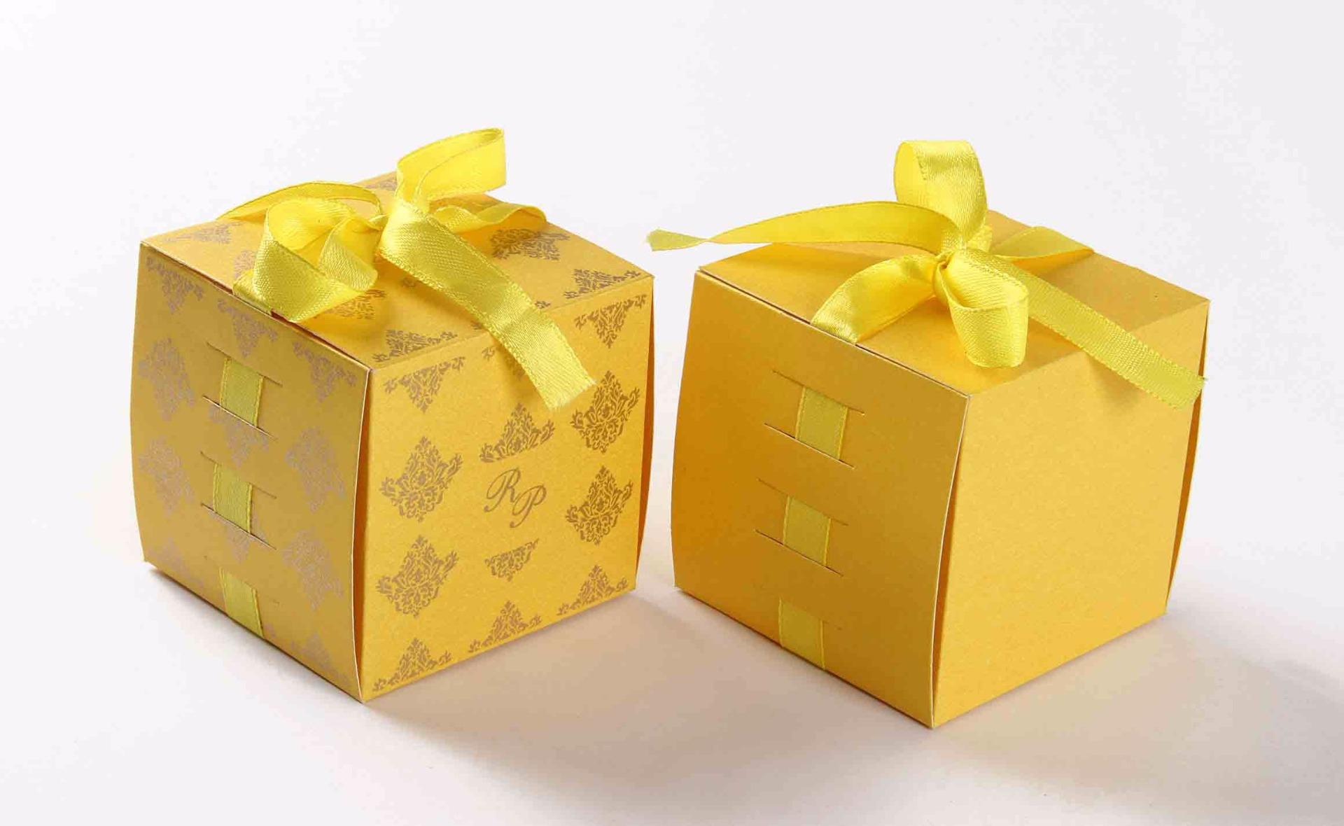 Bow Top Cube Favor Box No 5 - Yellow -0