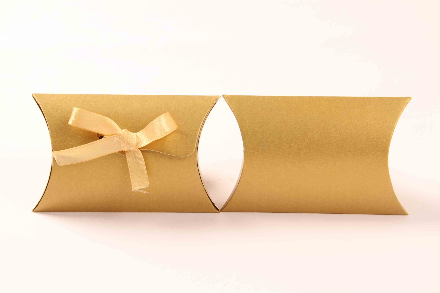 Pillow Favor Box No 9 - Golden-8686